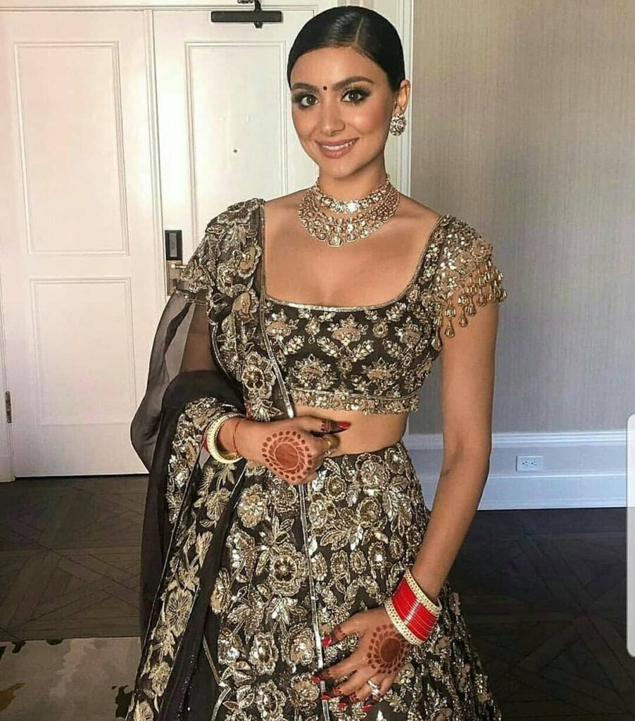 Manish Malhotra Reception Outfit