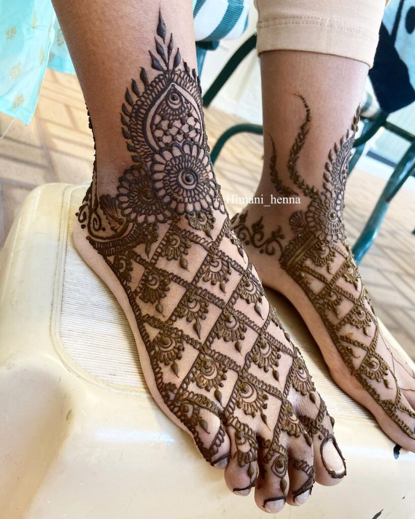 Jaal foot mehandi design