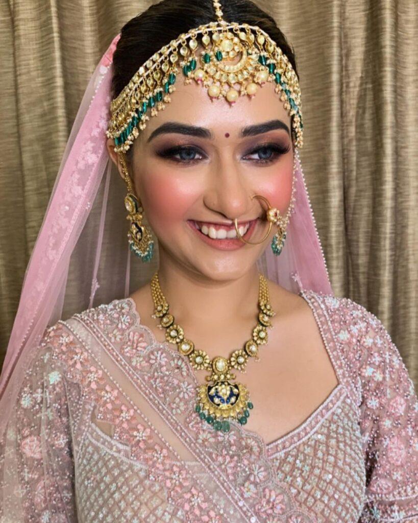 Simran Mahajan Makeup Artist in Gurgaon