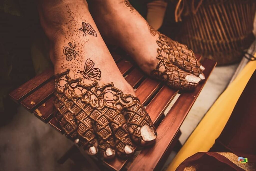 easy foot mehendi design