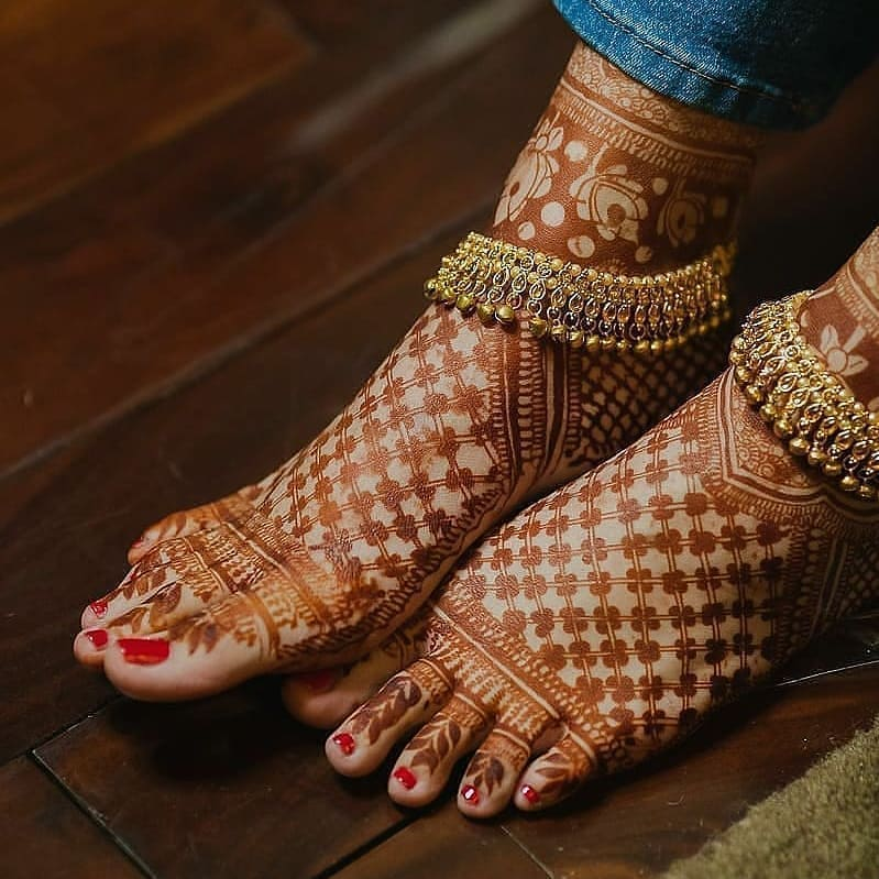 netting foot henna