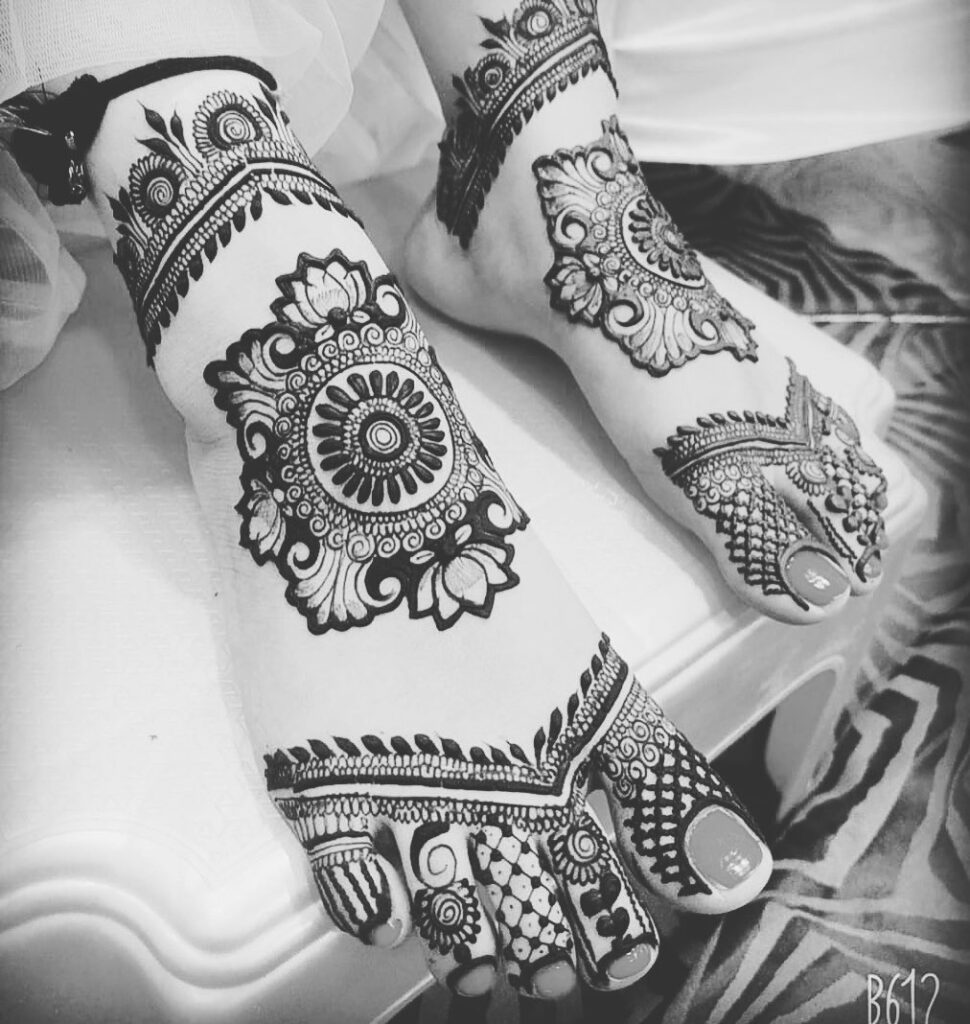 Foot Mehndi Design latest simple