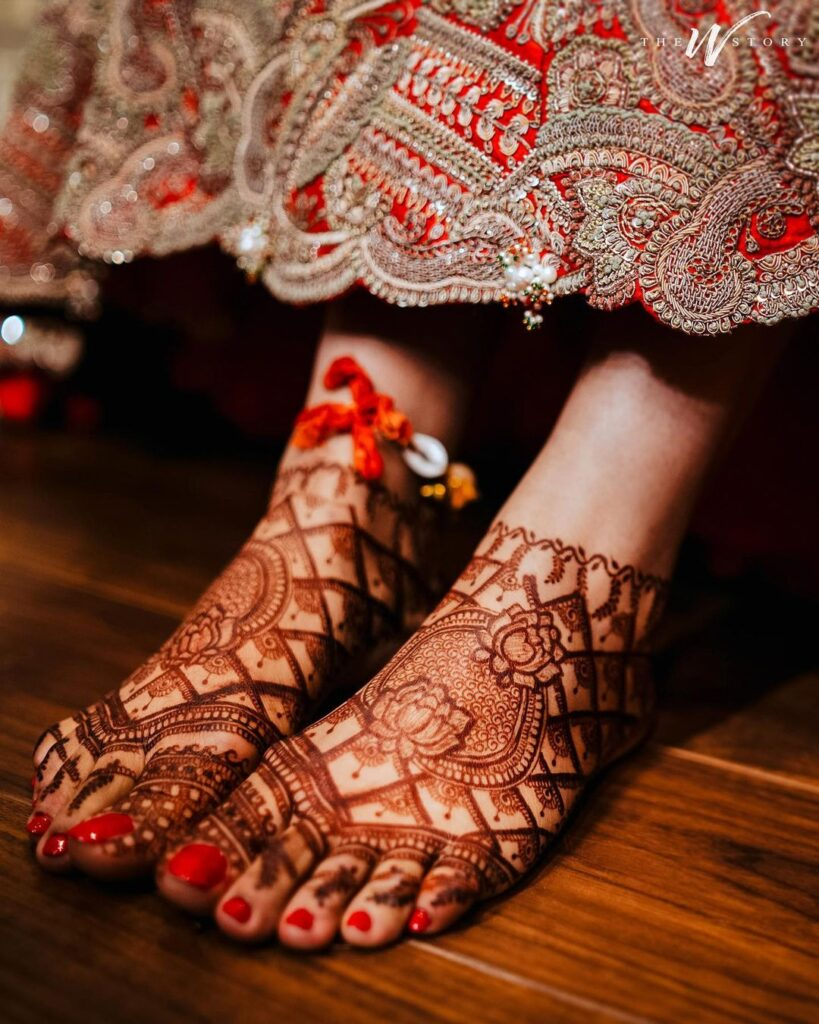 Foot Mehndi Design bridal simple