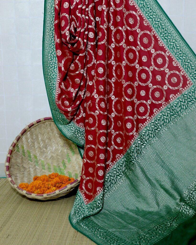 Benarasi monga sari