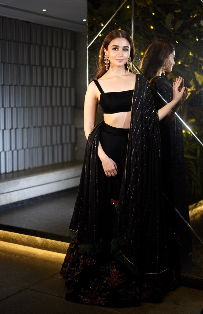 Alia Bhatt Black Lehenga Shyamal Bhumika