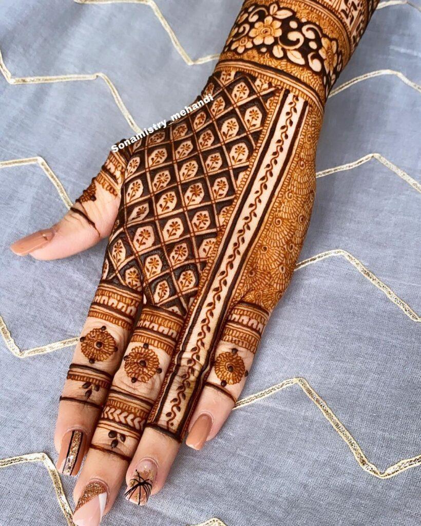 Beautiful Jaal Mehendi Design