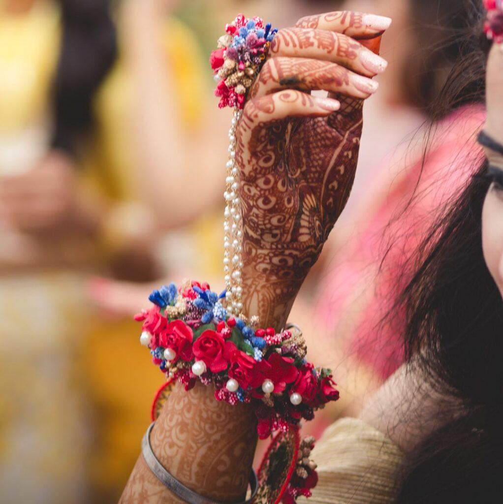 Simple Floral Bridal Set
