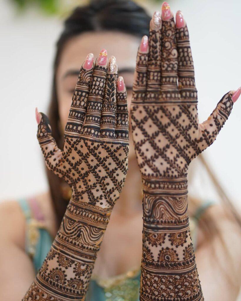 Jaal Mehendi design for brides