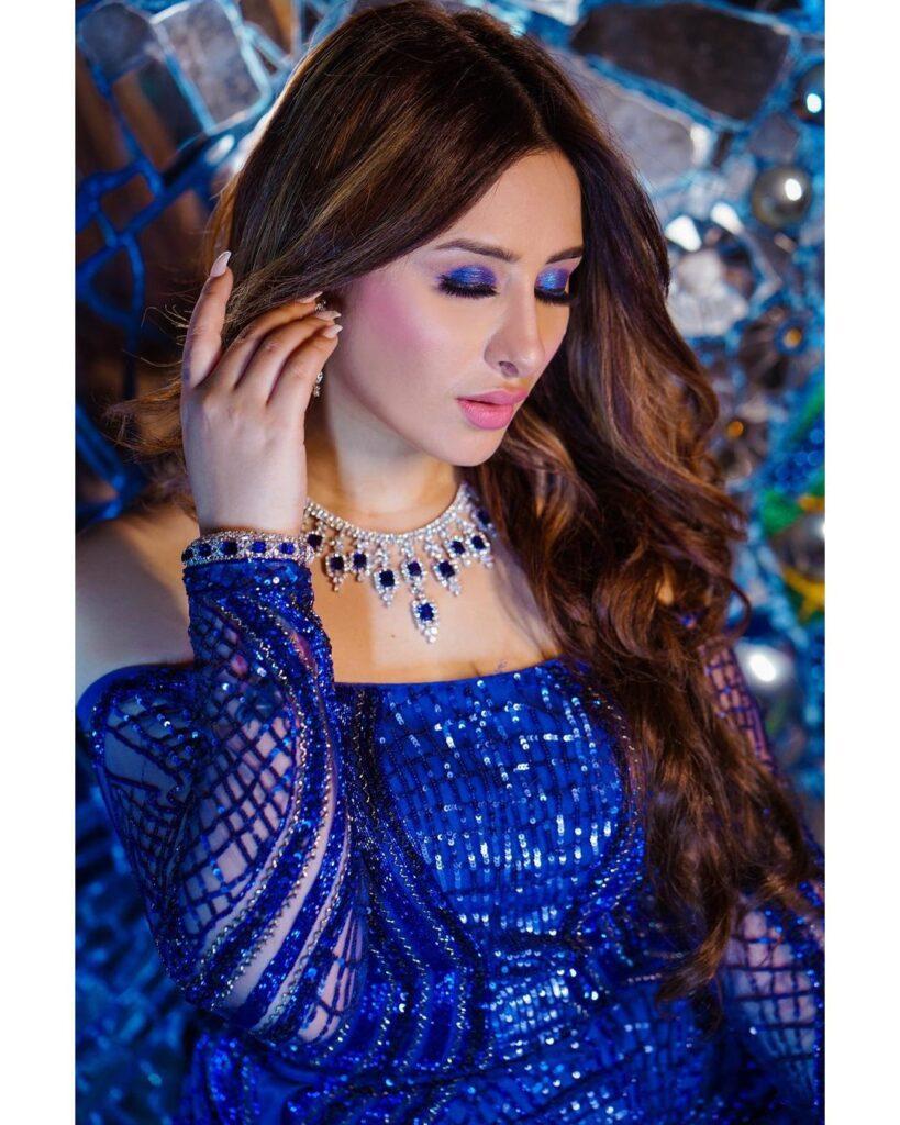 Celebrity Makeup Artsti Mumbai Neha Adhvika Mahajan