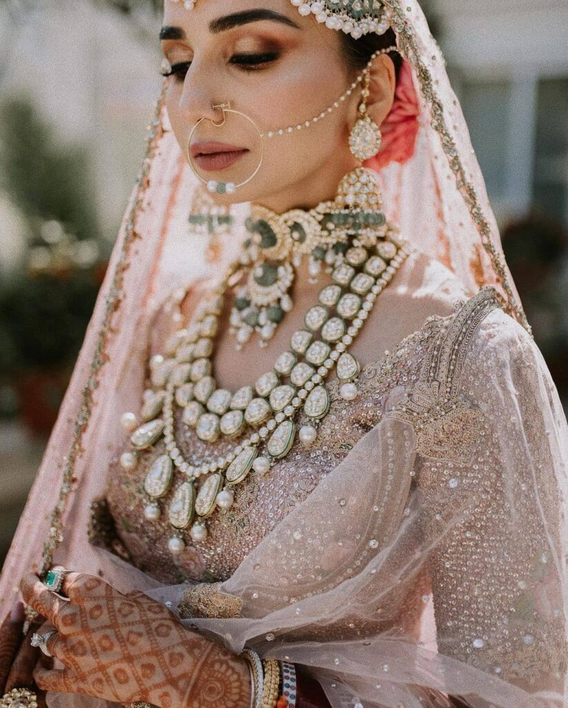 Simple Nathni For Brides