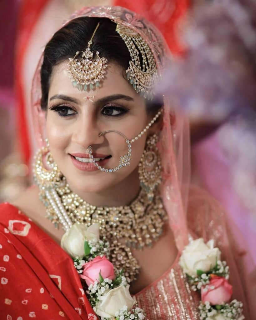 Minimal Bridal Nath Design
