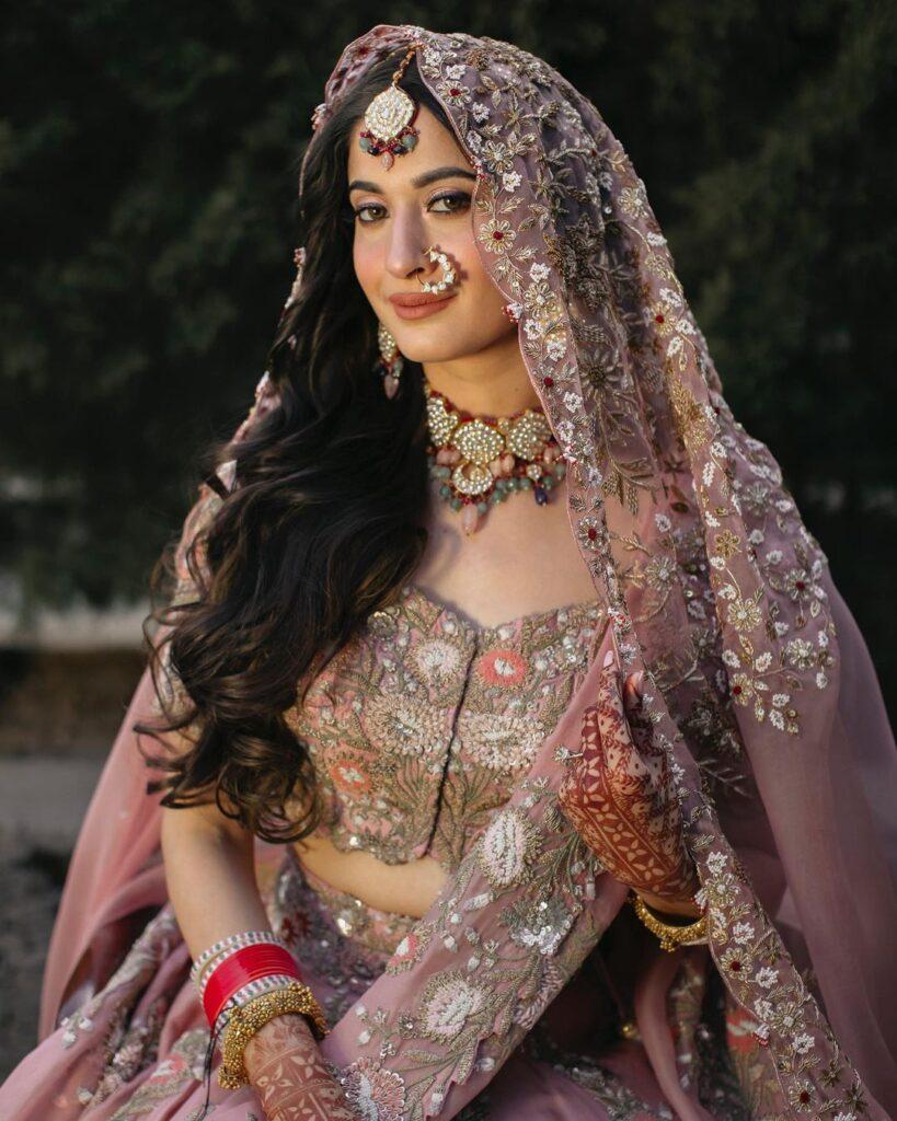Bridal Nath Design Simple
