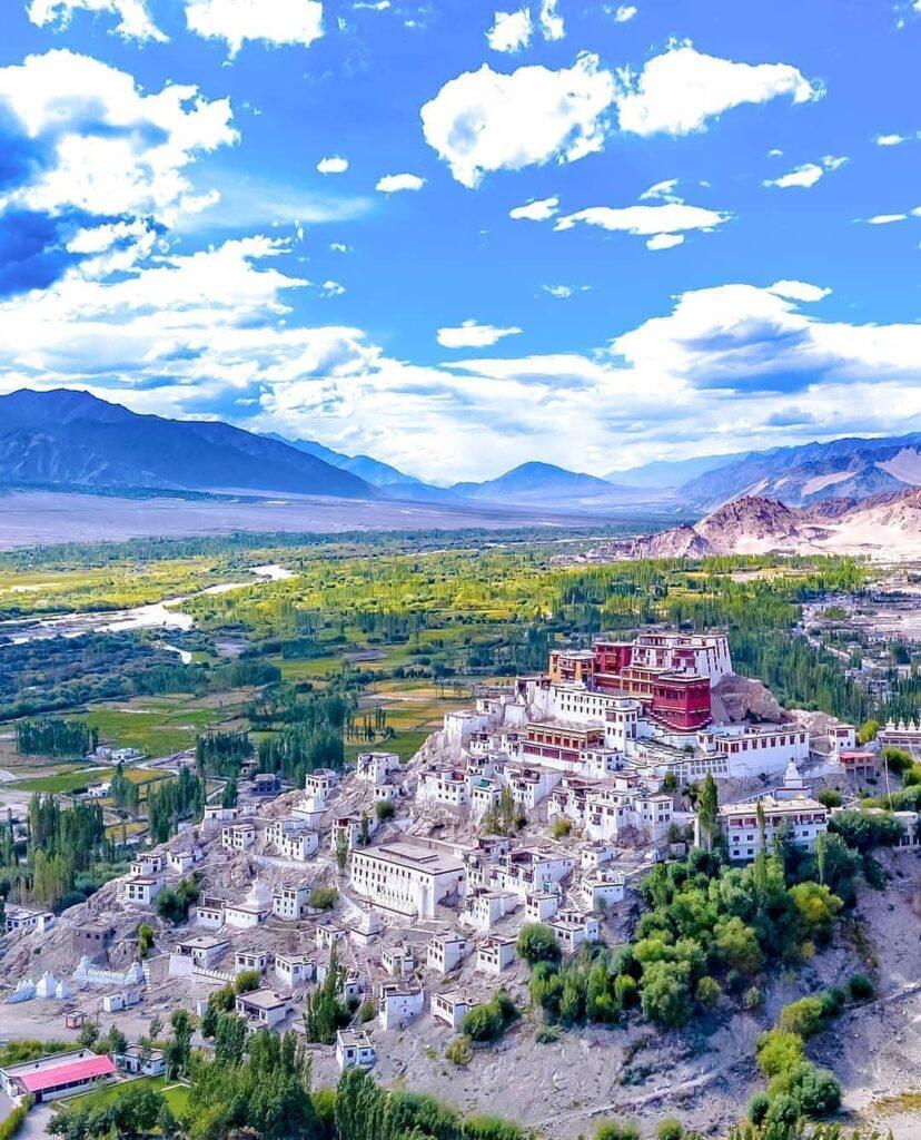 Ladakh romantic honeymoon destination in india